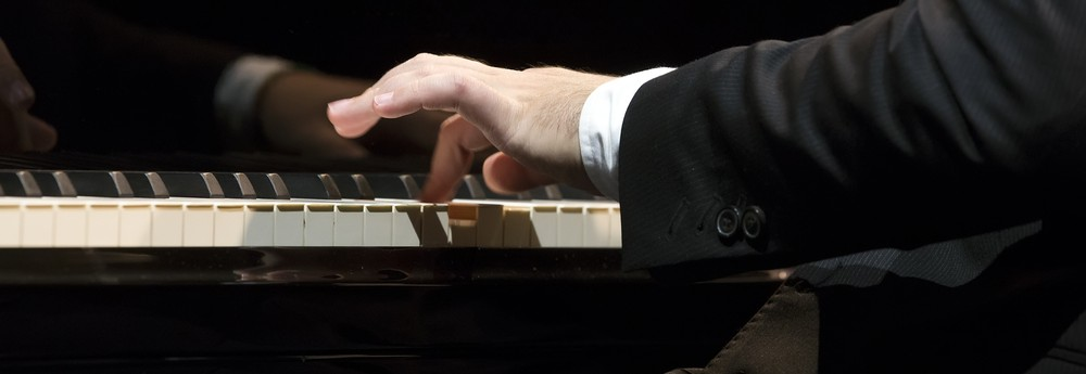 MM concert pianist image_166780319